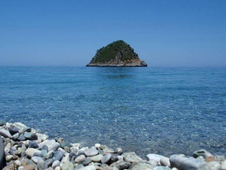 chiliadou beach-evia