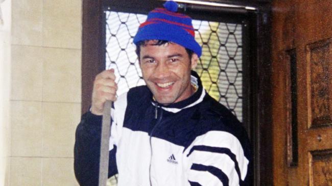 «Καθάρισε τους 2 πιο σκληρούς Νονούς»: Ο Έλληνας Kickboxer που δεν παραδέχτηκε ποτέ την ενοχή του