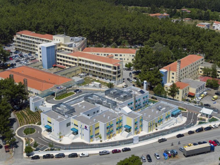 Ομογενής δώρισε 1 εκατ. δολάρια στην ογκολογική κλινική του Παναρκαδικού νοσοκομείου | in.gr