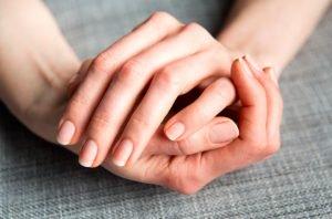 ενυδατωμένα χέρια