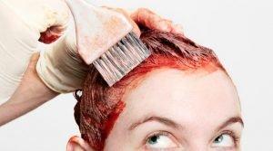 βάψιμο μαλλιών στο σπίτι