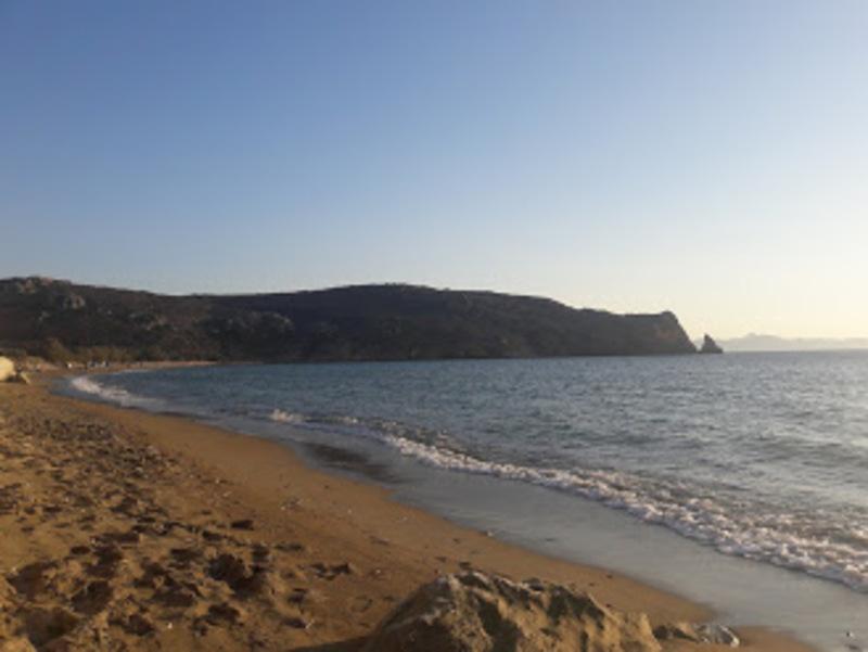 Η παραλία Δέκας στην Κίμωλο