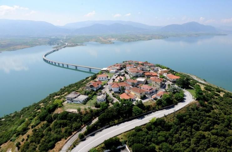 χωριό Νεράιδα