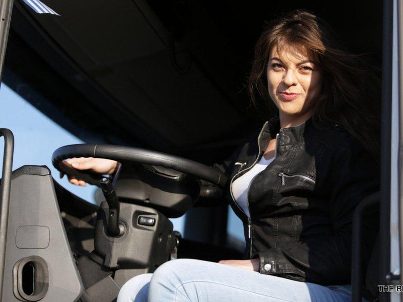 24χρονη οδηγός νταλίκας