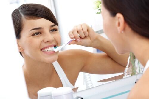 Πέτρα στα δόντια: 10 φυσικοί τρόποι για να την εξαφανίσετε 6