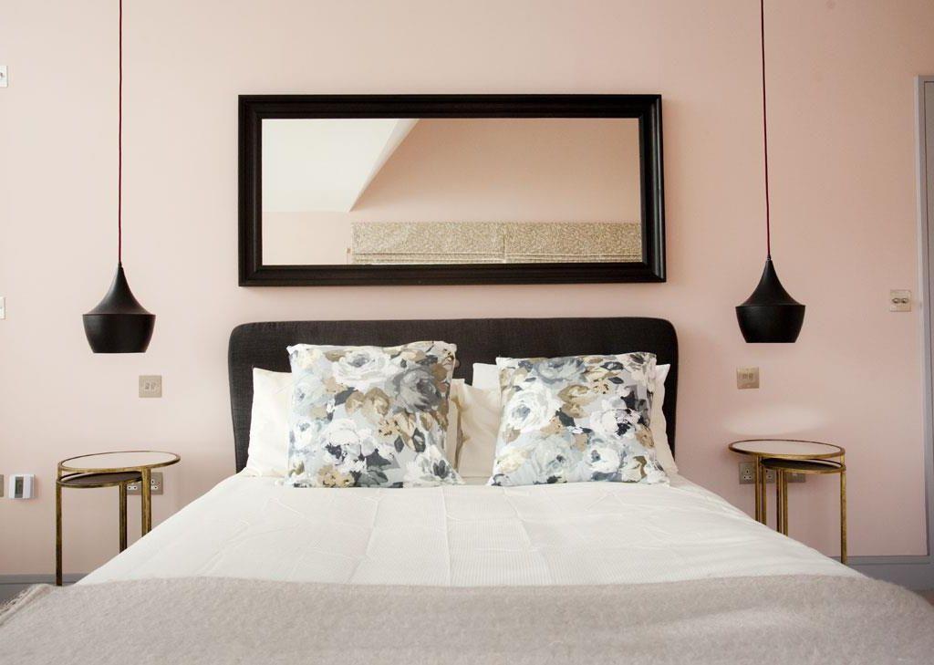 23 πανέμορφες ιδέες διακόσμησης για τον τοίχο πίσω από το κρεβάτι που θα  μεταμορφώσουν το υπνοδωμάτιό σας