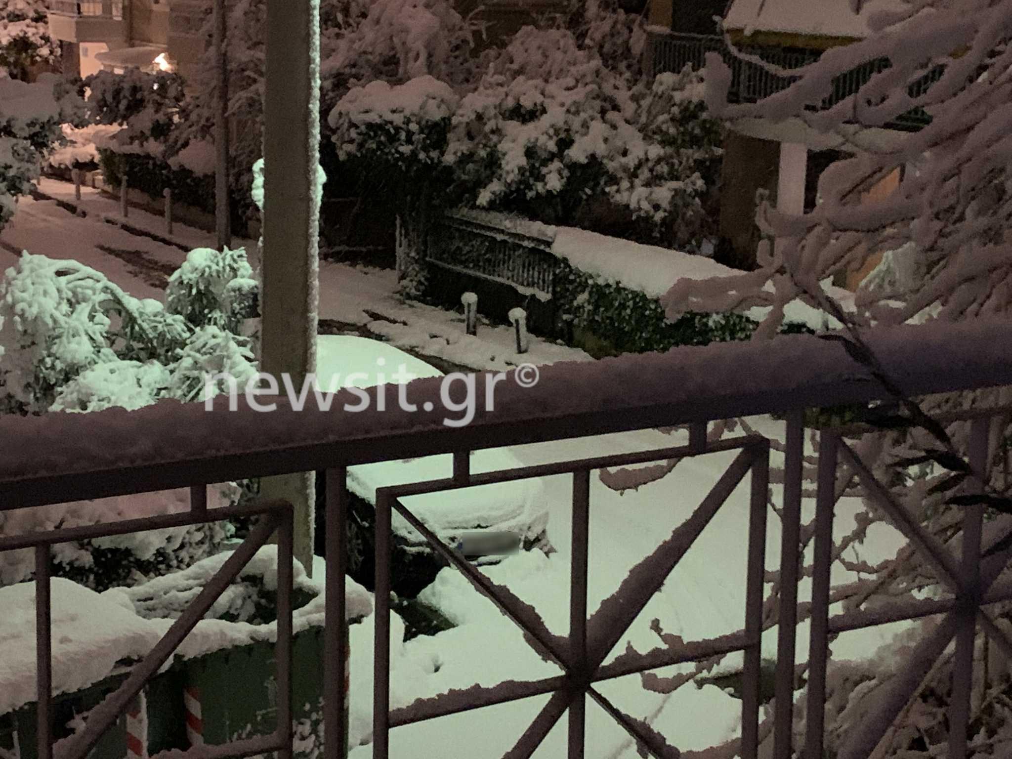 Η Μήδεια έντυσε στα λευκά την Αθήνα