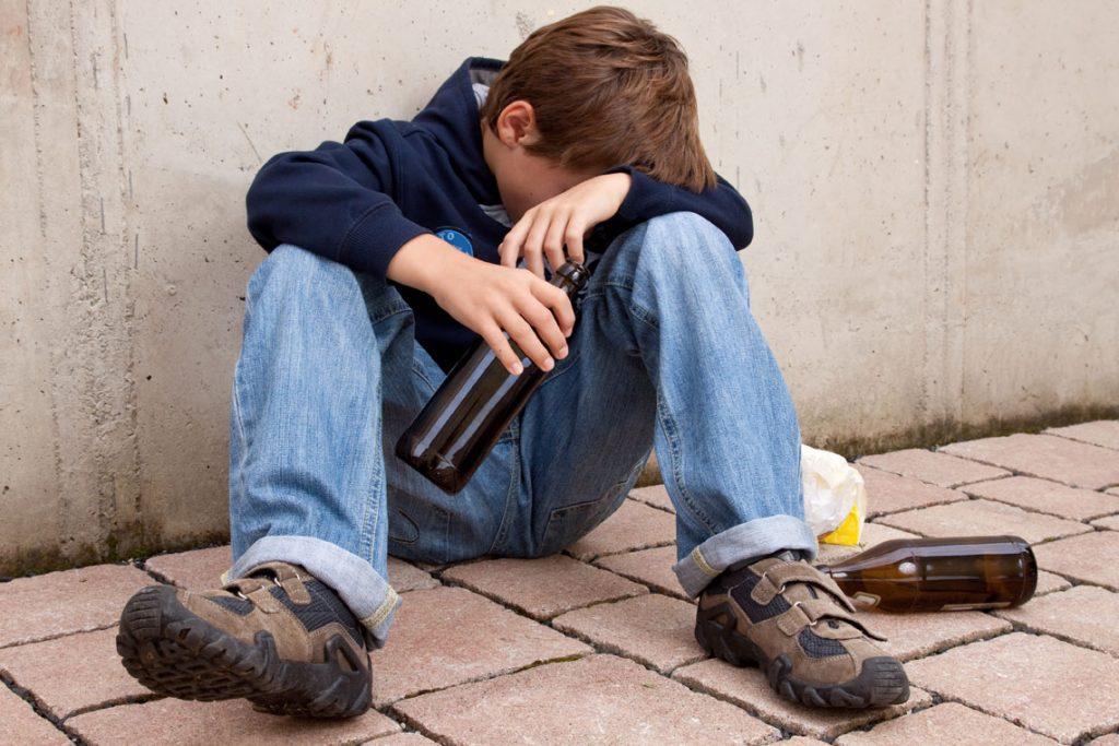 Λιποθυμία 15χρονων από το αλκοόλ.
