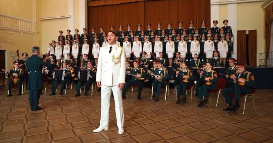 Η χορωδία του Κόκκινου Στρατού της Ρωσίας τραγουδά για την Ελληνική Επανάσταση του 1821.