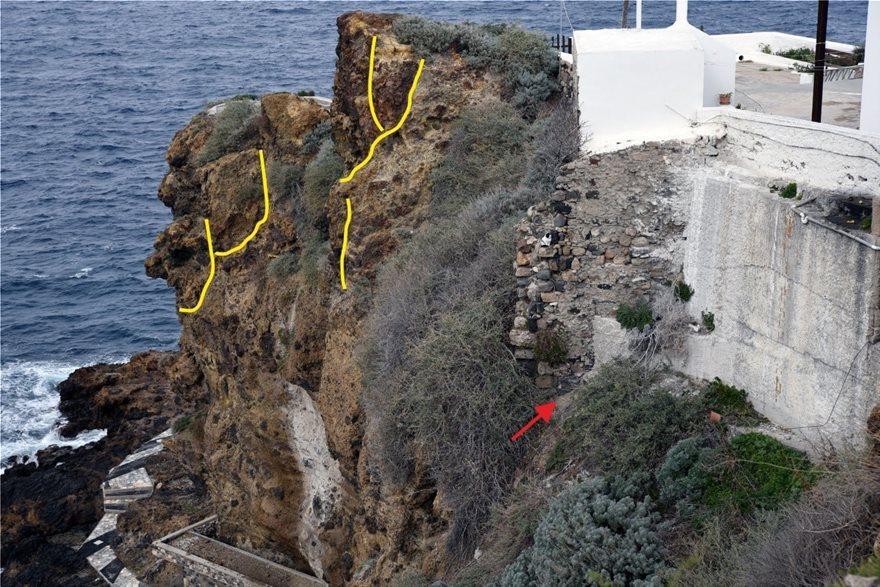Εμφάνιση ρωγμών και κρατήρων στη Νίσυρο.