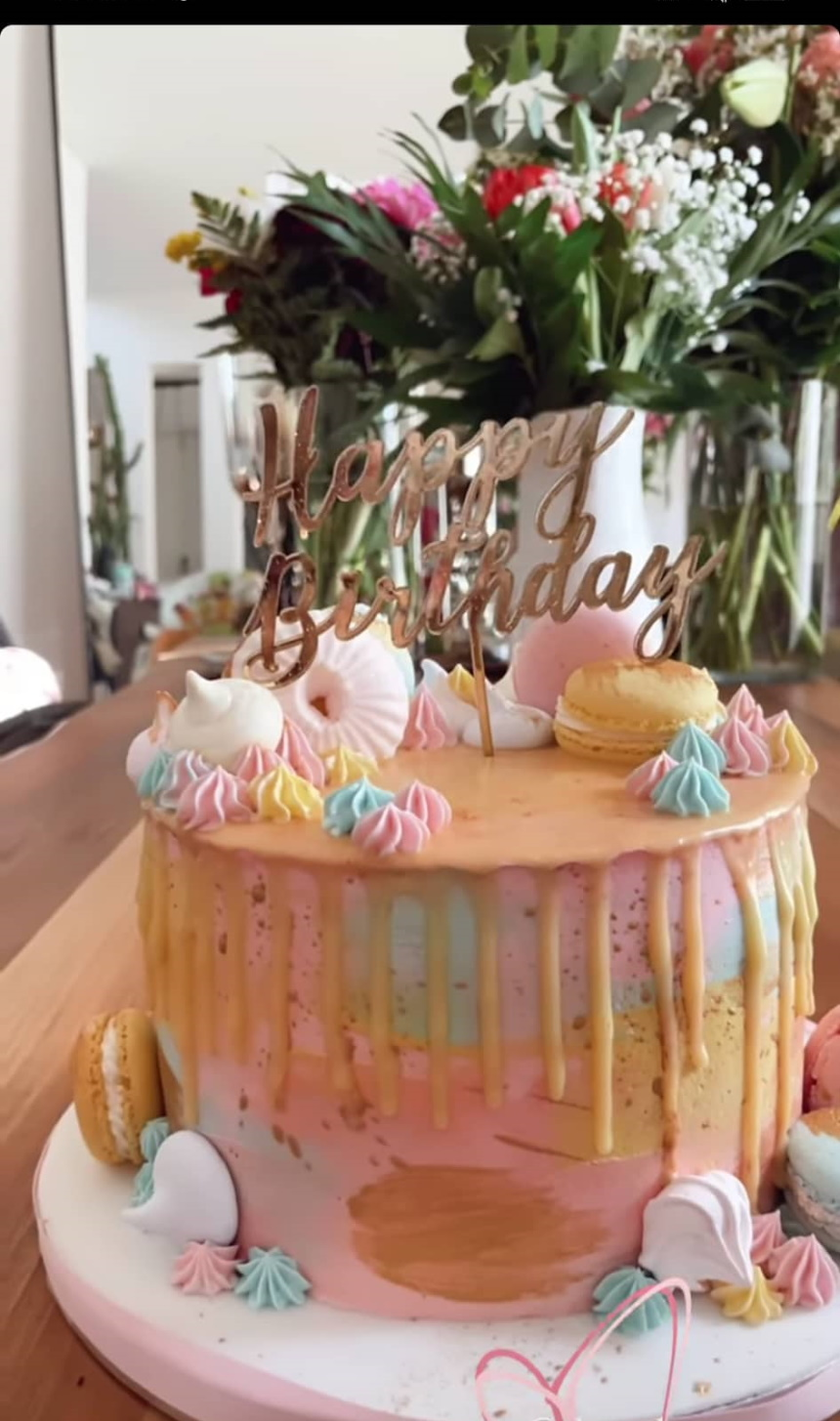 Αθηνά Οικονομάκου τούρτα