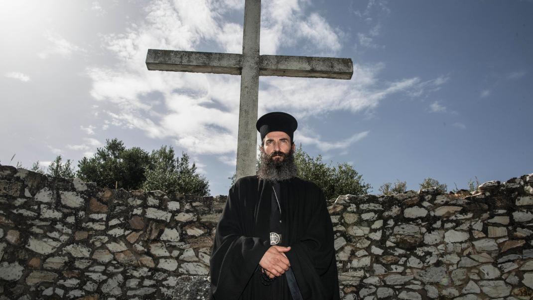 Man of god: Η ταινία «Ο άνθρωπος του Θεού», αφιερωμένη στον Άγιο Νεκτάριο και στην οποία πρωταγωνιστεί ο Άρης Σερβετάλης.