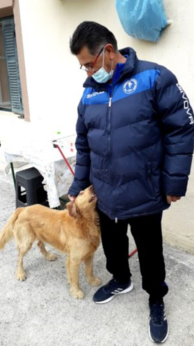 Σεισμός Ελασσόνας: Σκύλος έσωσε οικογένεια.