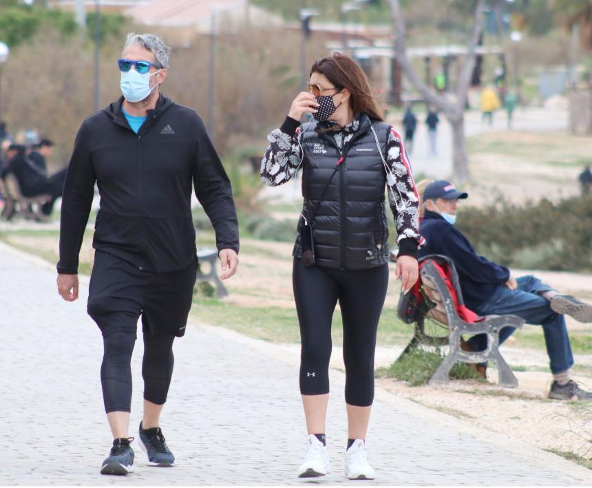 Έλενα Παπαρίζου και Ανδρέας Καψάλης βόλτα