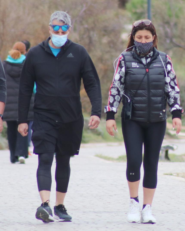 Έλενα Παπαρίζου και ΣΑνδρέας Καψάλης βόλτα