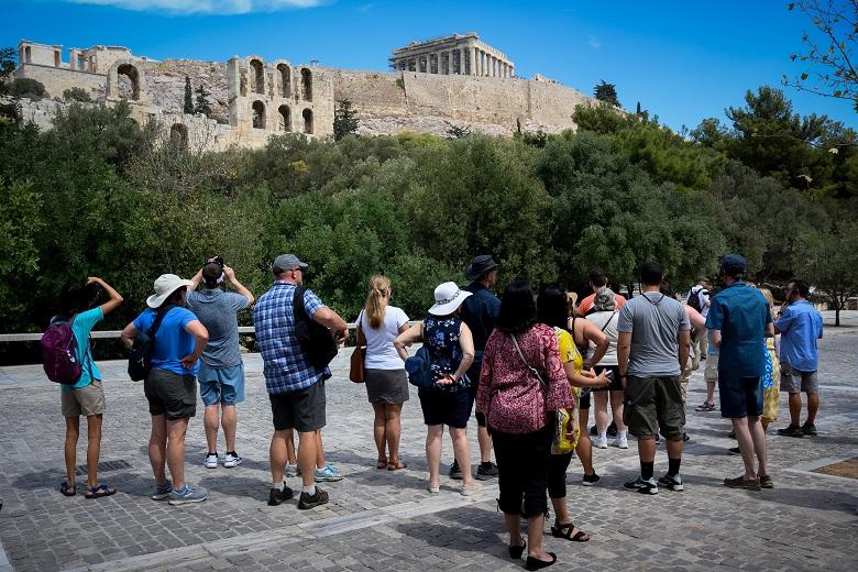 Εισροή τουριστών χωρίς καραντίνα στην Ελλάδα.
