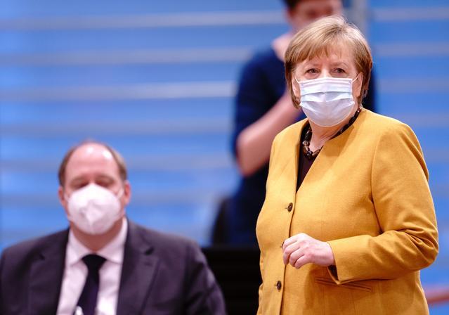Χέλγκε Μπράουν  και Άνγκελα Μέρκελ Καγγελαρία στην Γερμανία