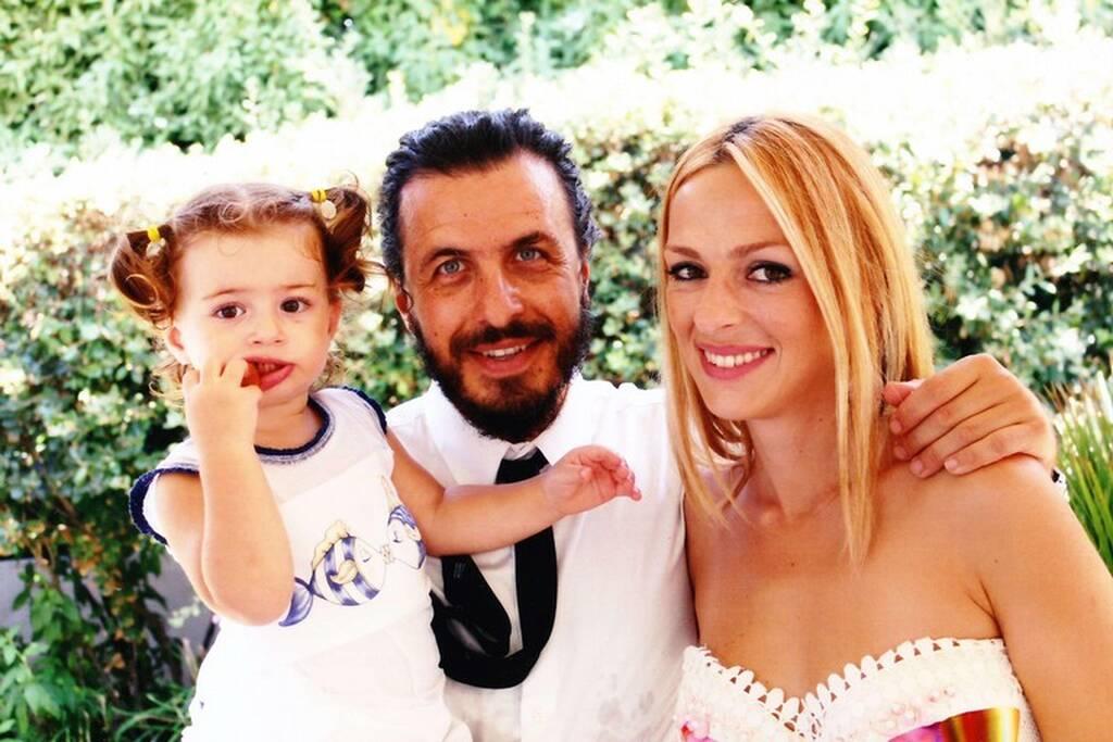 MasterChef - Τζιοβάνι Σκαράτζι: Η κούκλα Ελληνίδα σύζυγός του και η  πανέμορφη κόρη τους