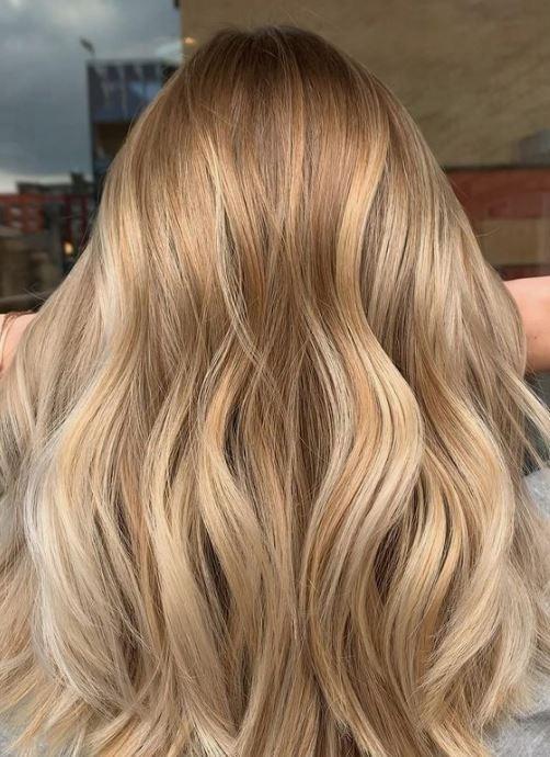 Το μπαλαγιάζ η τάση της μόδας στα μαλλιά