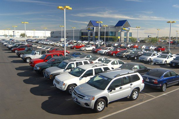 Αυτοκίνητα βενζίνης ή ντίζελ: Σε τι στοχεύει η κυβέρνηση;