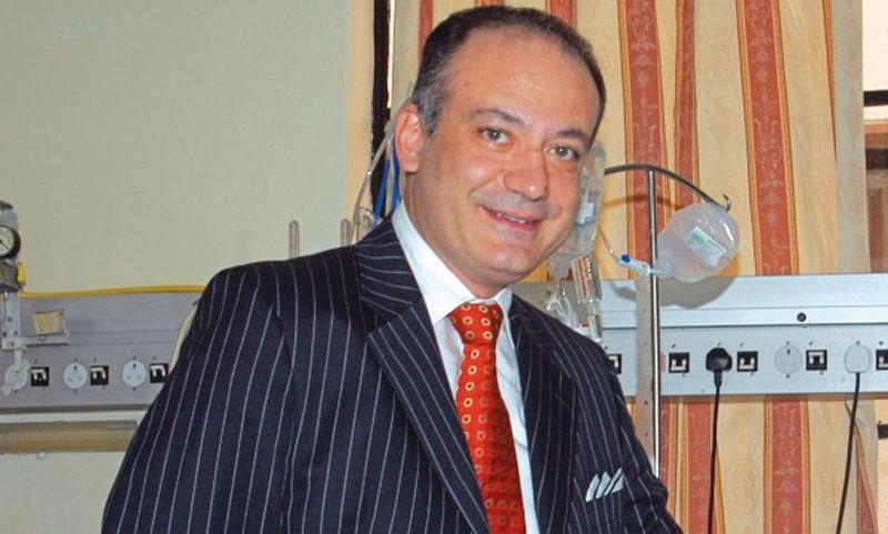 Αυξέντιος Καλαγκός: Ο Έλληνας γιατρός των φτωχών παιδιών που έχει χειρουργήσει δωρεάν πάνω από 14.000 παιδιά
