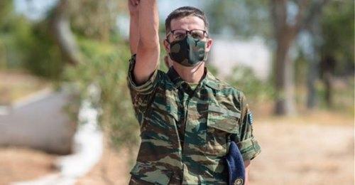 Θητεία Κωνσταντίνου Μητσοτάκη: Ο γιος του Κυριάκου Μητσοτάκη απολύθηκε από το στρατό.