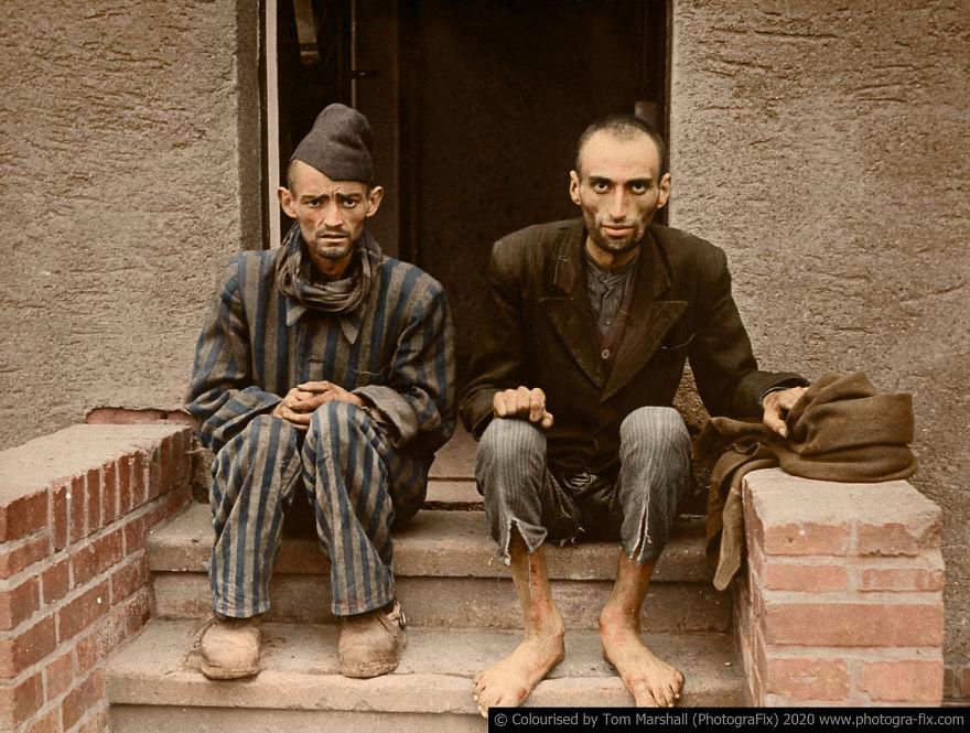 Εβραίοι σε στρατόπεδο συγκέντρωσης