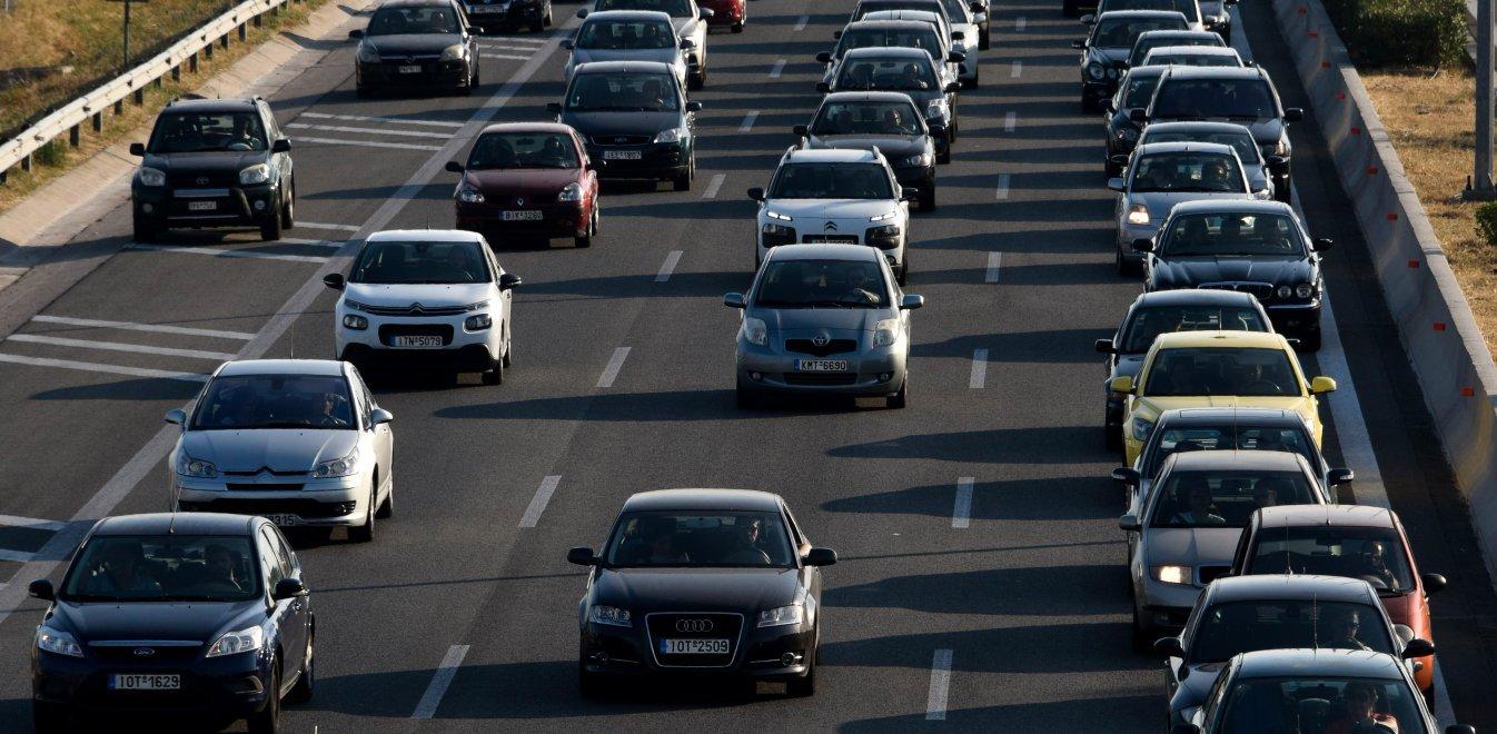 Δίπλωμα αυτοκινήτου: Μπαίνει τέλος στην ταλαιπωρία.