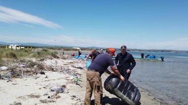 Καθαρισμός Θεσσαλονίκης: Απομακρύνθηκε πλαστικό από το Θερμαϊκό Κόλπο.