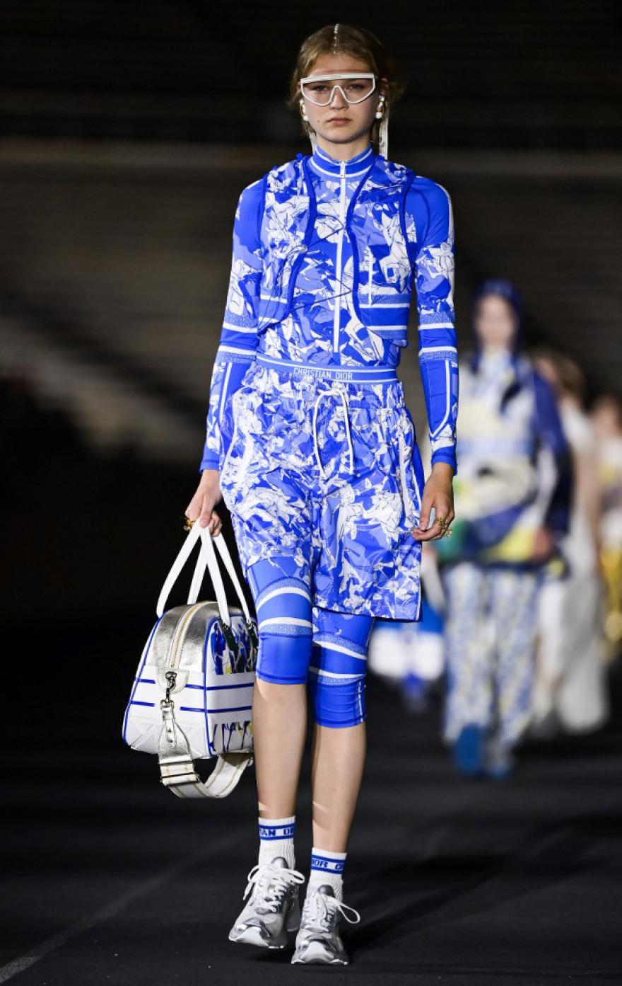 Εντυπωσίασε η επίδειξη Dior στο Καλλιμάρμαρο
