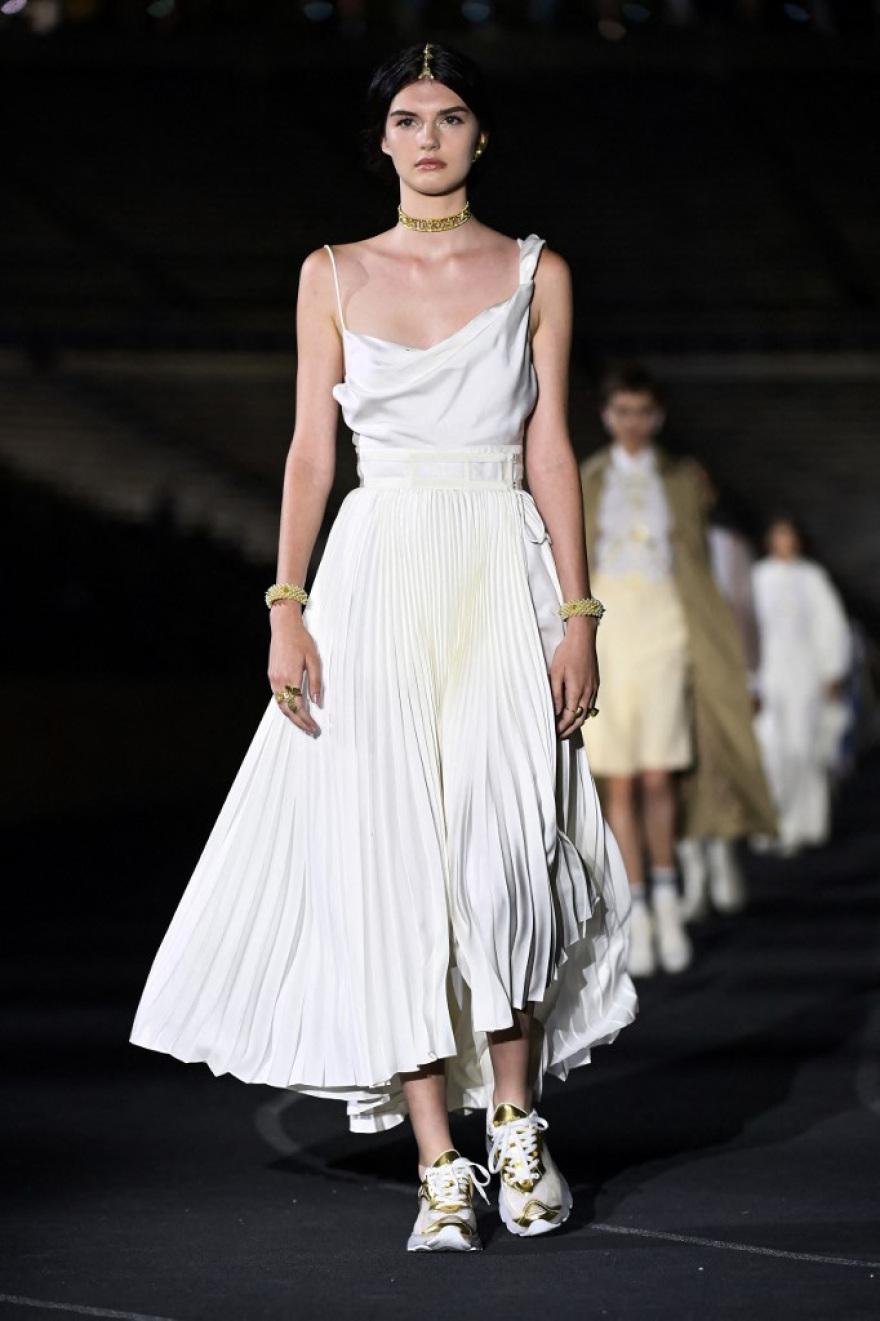 Εντυπωσιακή η επίδειξη Dior στο Καλλιμάρμαρο