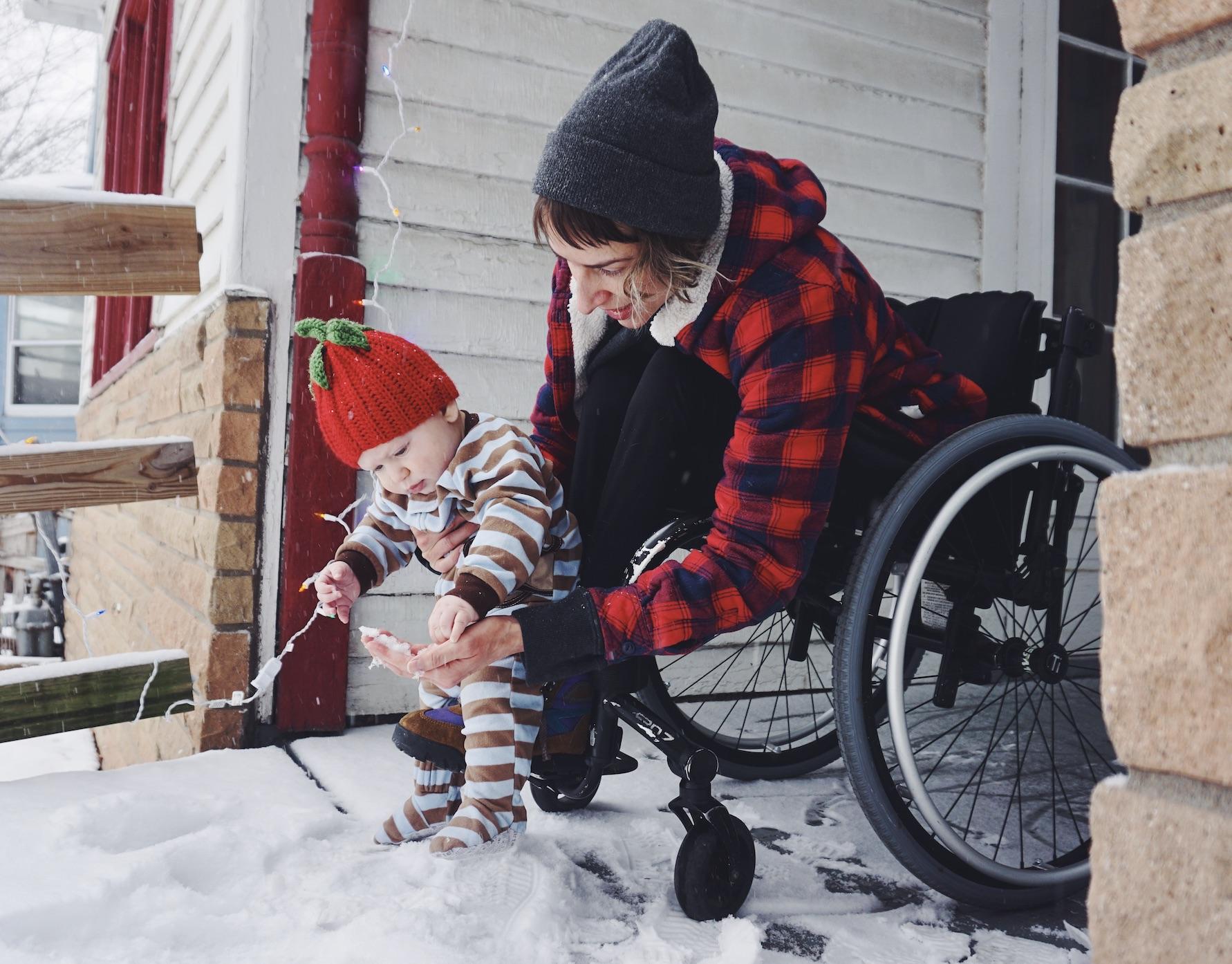 Ανάπηρη γυναίκα έγινε μητέρα