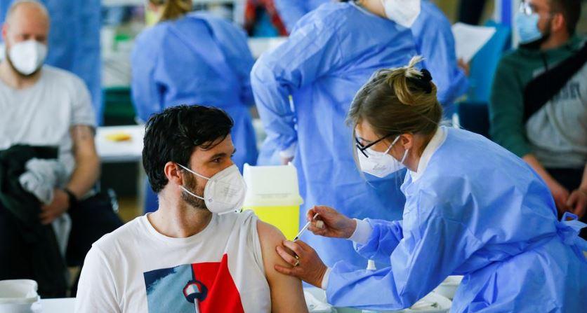 Ισπανία: εμβολιασμός εφήβων