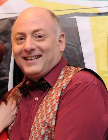 Μάρκος Σεφερλής: Καταδίκη για τον ηθοποιό που τον κατηγόρησε για χαστούκια σε θεατρική παράσταση.
