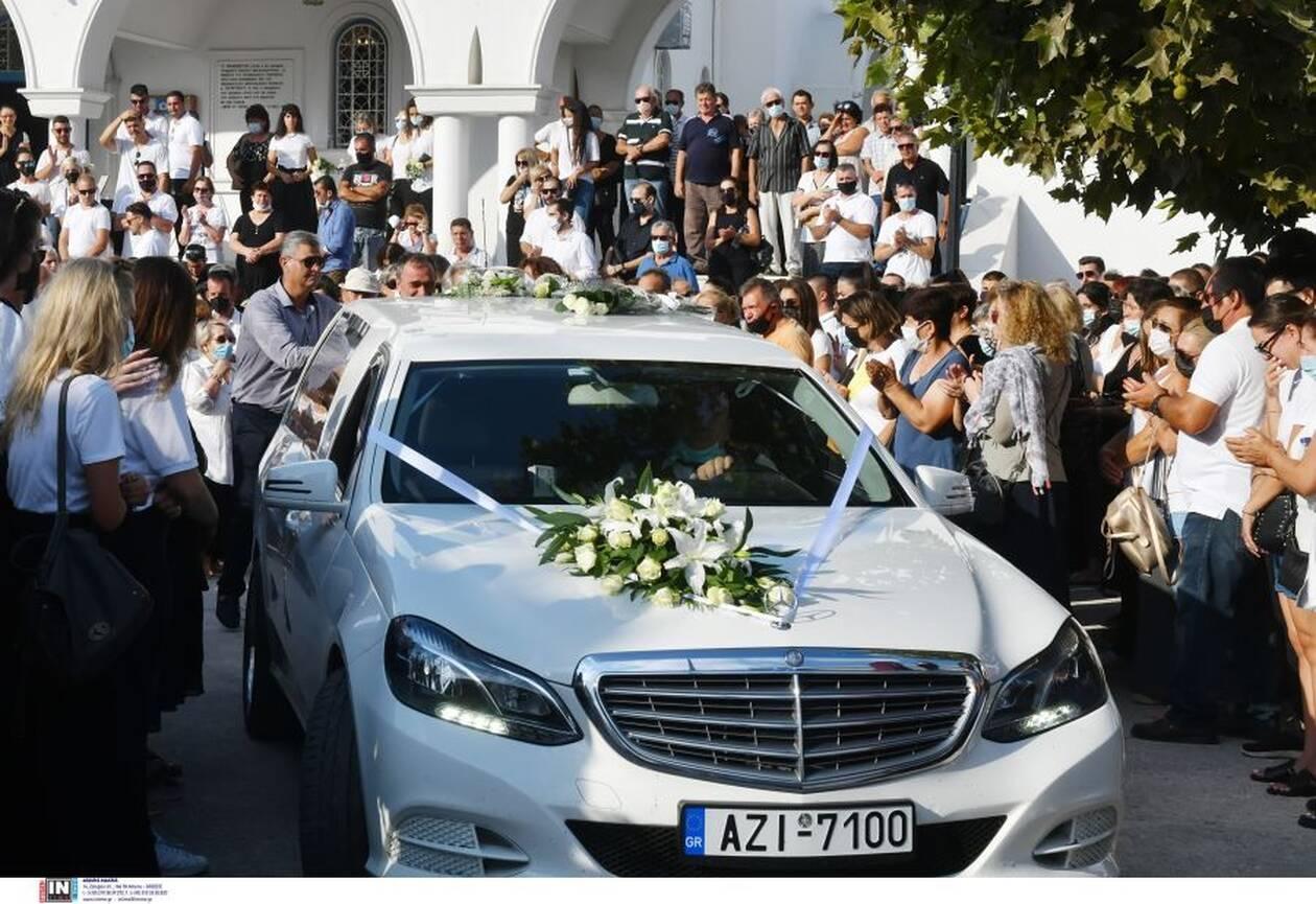 Κηδεία Γαρυφαλλιάς