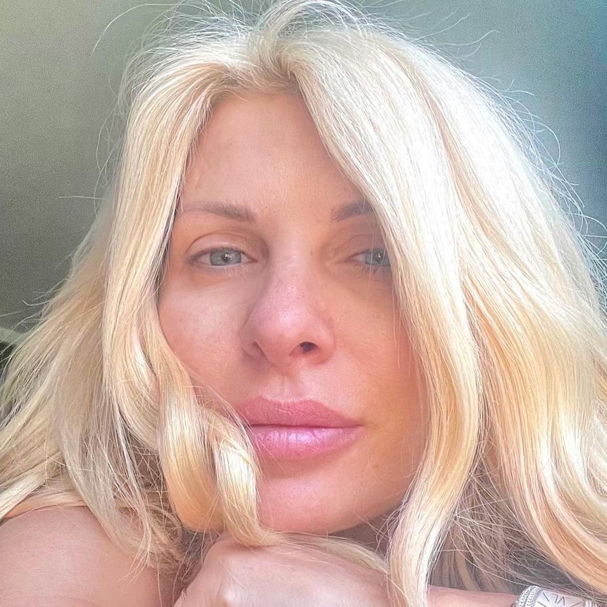 Ελένη Μενεγάκη χωρίς μακιγιάζ