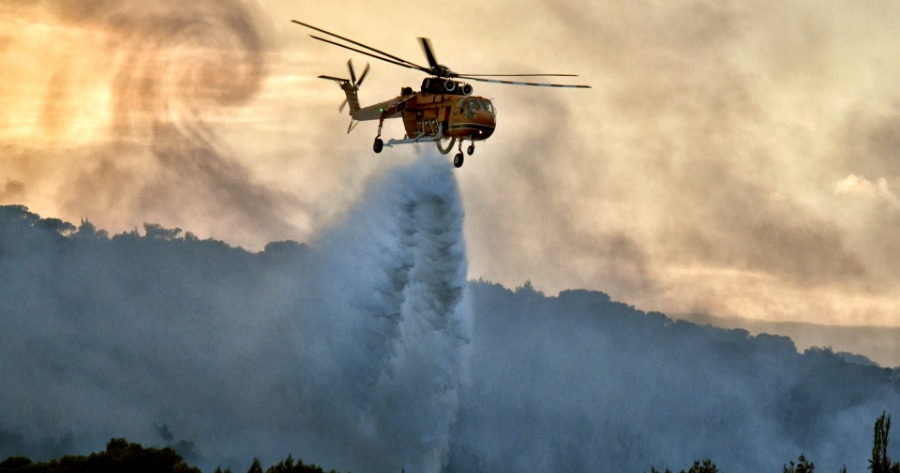Ελληνικό: Υπό έλεγχο η πυρκαγιά κοντά στο παλαιό αεροδρόμιο