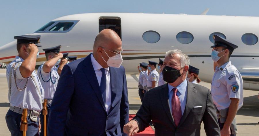 Νίκος Δένδιας: Υποδέχτηκε τον βασιλιά της Ιορδανίας