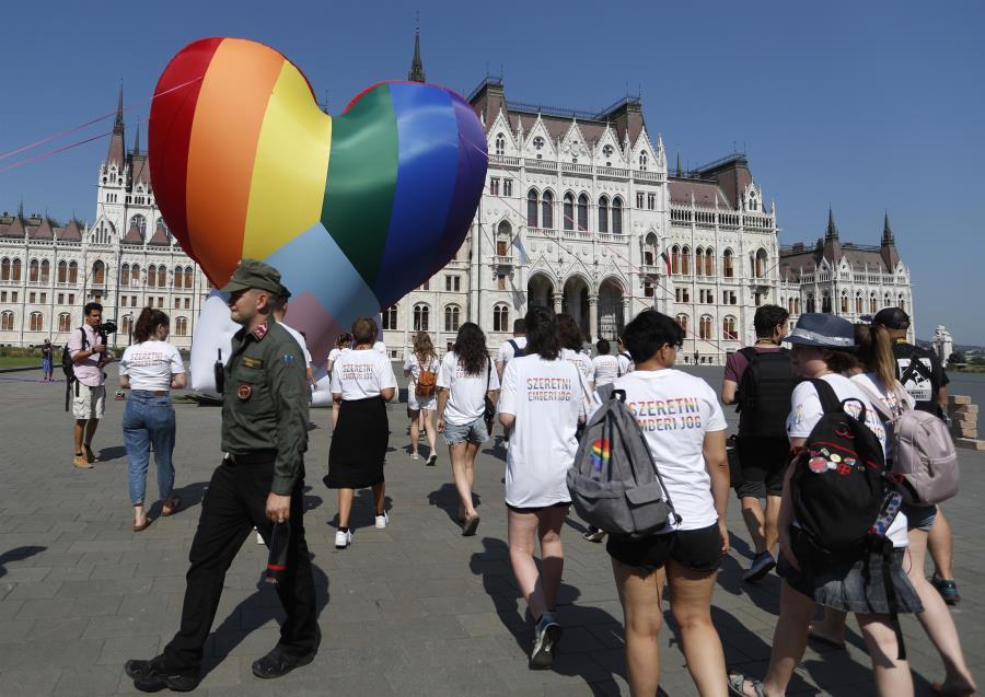 Βίκτορ Ορμπάν για ΛΟΑΤΚΙ