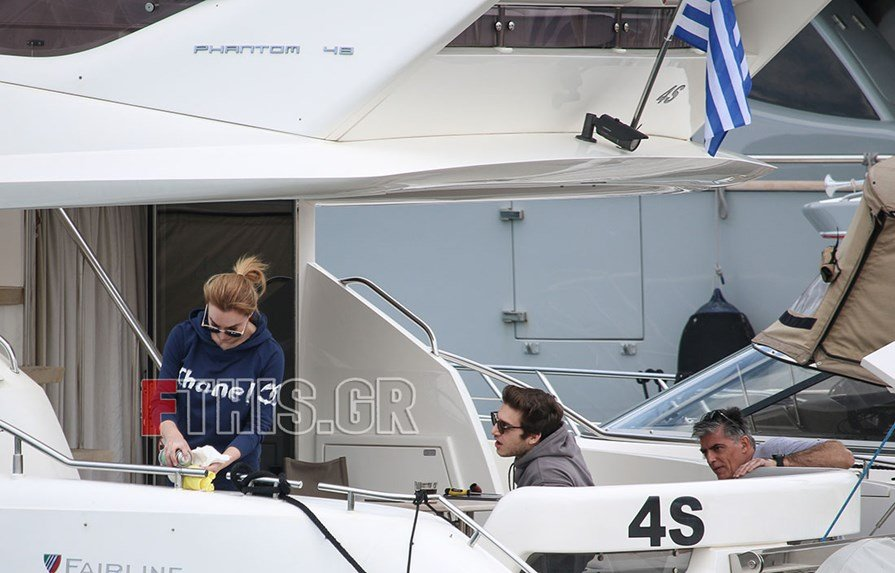 Τατιάνα Στεφανίδου - Νίκος Ευαγγελάτος σκάφος