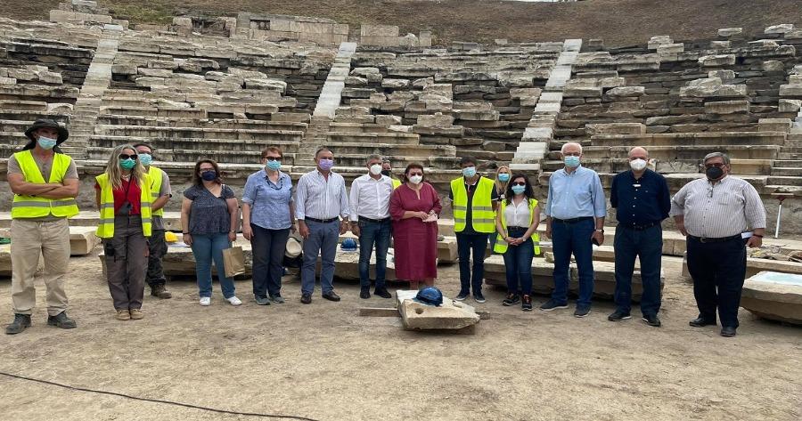 Επίσκεψη ΥΠΠΟΑ στο Αρχαίο Θέατρο Λάρισας