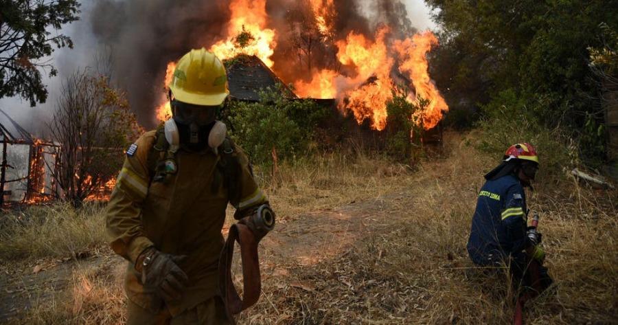 Εύβοια: Πάνω από 10 οικισμοί έχουν εκκενωθεί λόγω της πυρκαγιάς