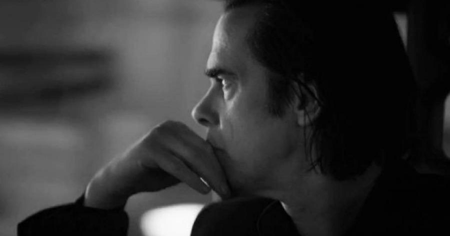 Νικ Κέιβ: Ανακοίνωσε τα απομνημονεύματά του για τη ζωή του μετά τον θάνατο του γιου του