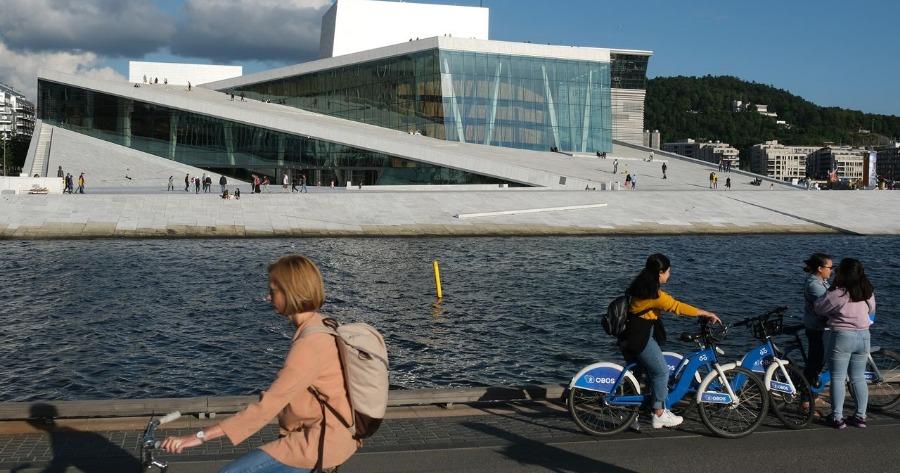 Νορβηγία: Η κυβέρνηση προχωρά σε άρση των περιορισμών της COVID-19