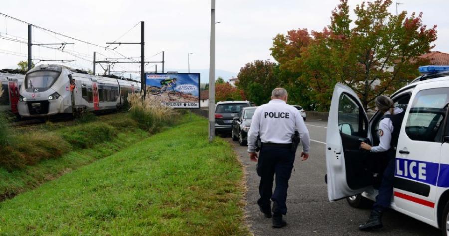Γαλλία: Τρεις μετανάστες σκοτώθηκαν από τρένο ενώ είχαν ξαπλώσει στις ράγες για να ξεφύγουν από την αστυνομία