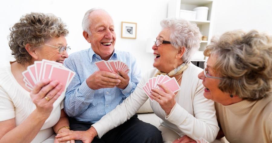 Ηλικιωμένοι: Έχουν πιο φιλοκοινωνική συμπεριφορά από ό,τι οι νεότεροι