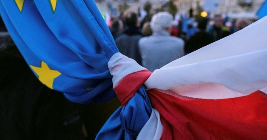 Μοραβιέτσκι: Ο πρωθυπουργός της Πολωνίας κατηγορεί την αντιπολίτευση ότι διαδίδει πως αποχωρεί από την ΕΕ